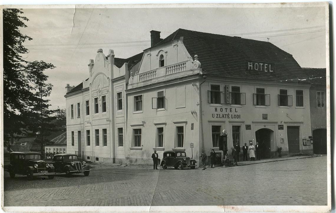 fk-hotel-u-zlate-lodi-01-1140