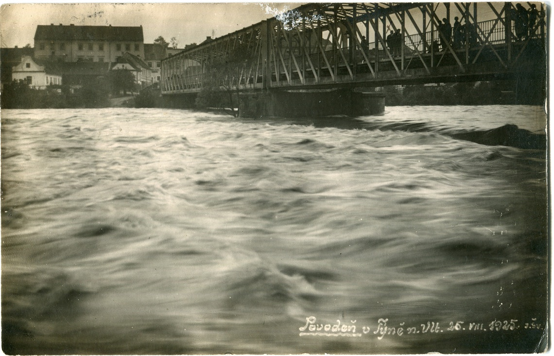 is-0067-povoden-zelezny-most-tyn-nad-vltavou-1925-1140