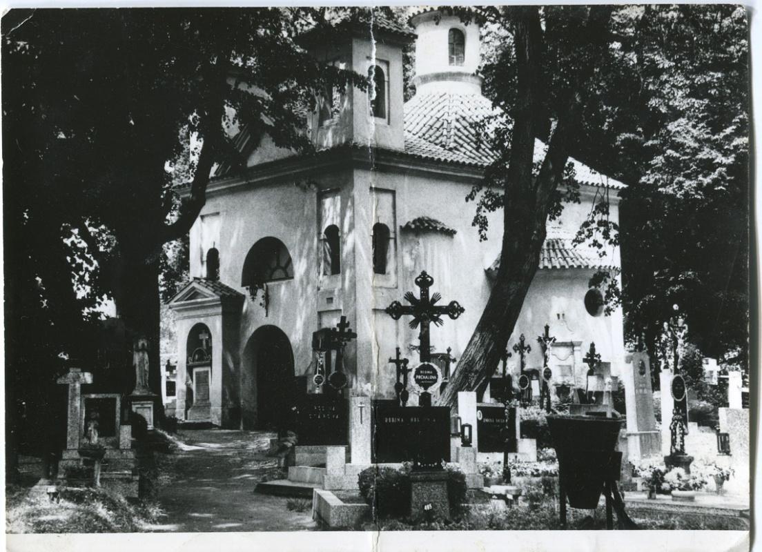 is-0089-kostelik-sv-vita-na-hrbitove-1140