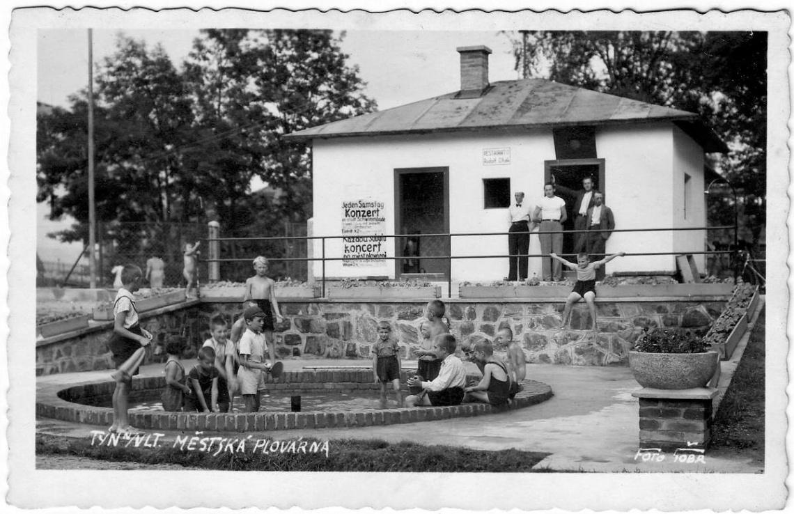 vn-sokolska-plovarna-u-stareho-mostu-zbourana-v-60tych-letech