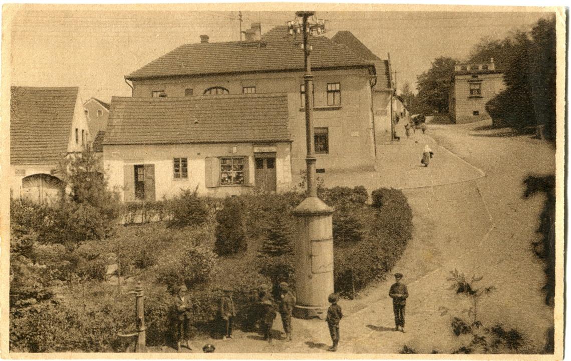 is-0141-sloup-elektricke-vedeni-ke-hradu-pumpa-1140