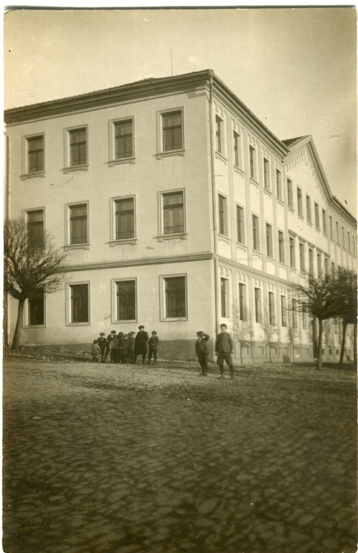is-0158-skolaci-vinarickeho-1140