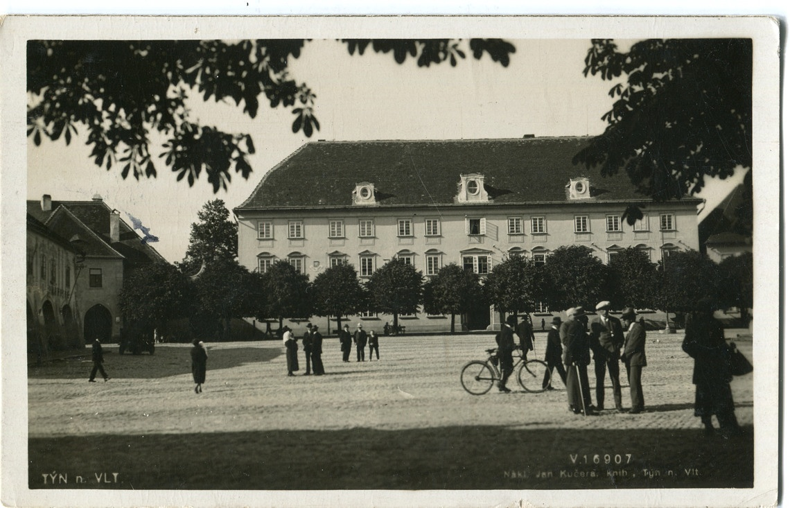 is-0164-seslost-na-namesti-1928-1140