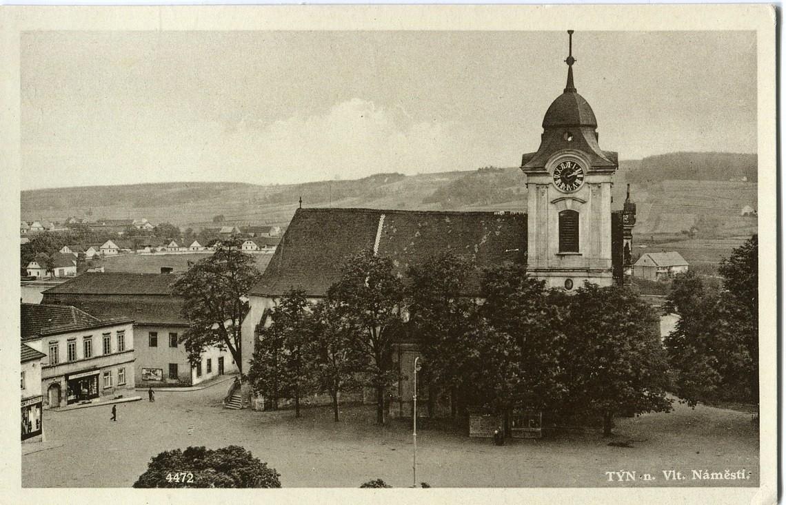 is-0215-kostel-ze-strechy-zamku-1140