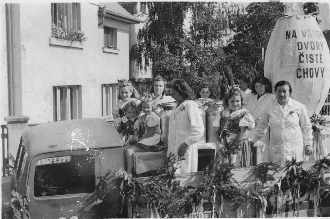 0003-jb-oslava-1945-1950-1140