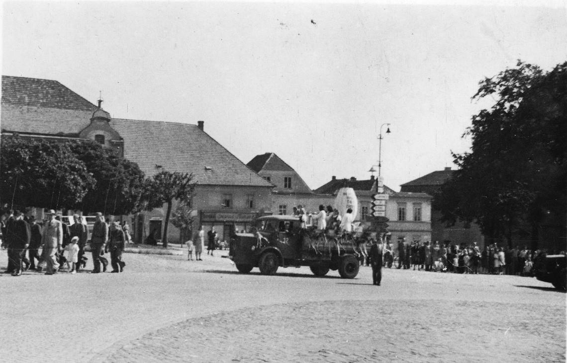 0004-jb-oslava-1945-1950-2-1140