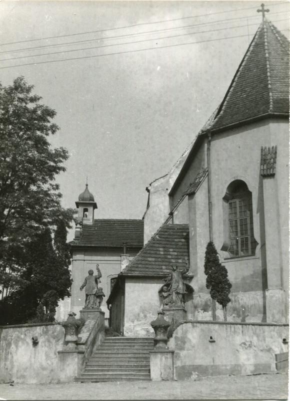 hl-0003-schody-u-kostelni-zdi-1140