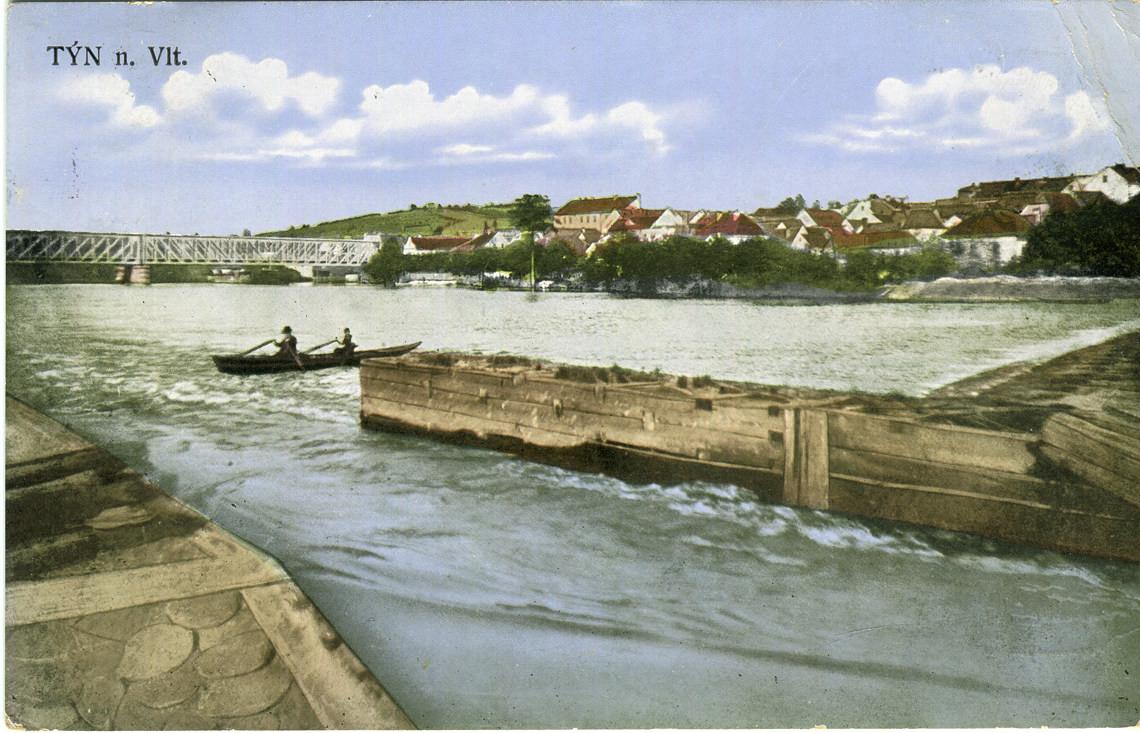 hl-0083-pohlednice-dva-veslari-v-pramici-1140