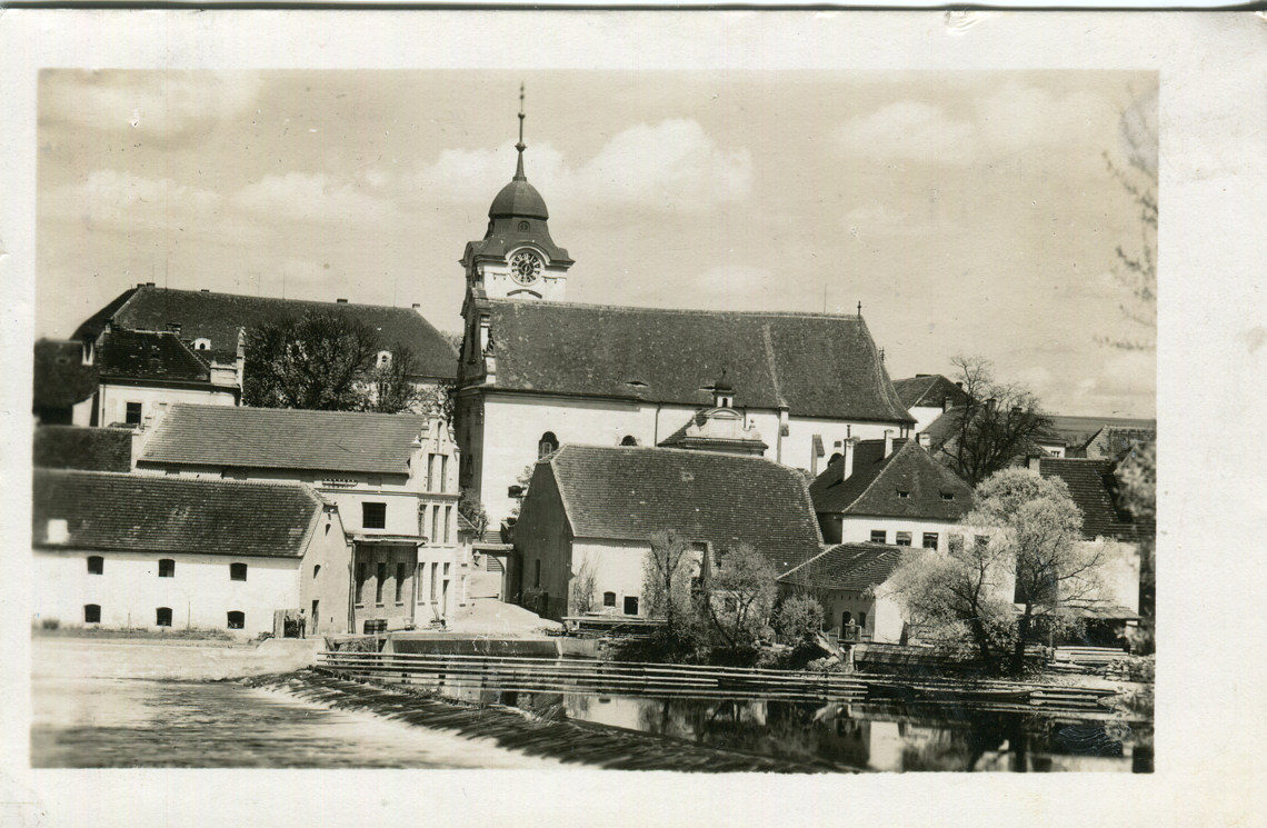 hl-0132-cesla-mlyna-pod-kostelem-frantisek-holas-hotelier-1140